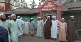 হা'মলা থেকে রক্ষায় মন্দিরের নিরাপত্তায় মাদ্রাসাছাত্ররা